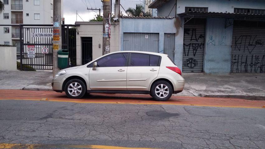 Nissan Tiida S 1.8 (aut) - Foto #5