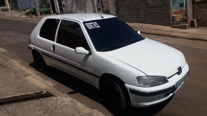 Peugeot 106 Selection 1.0 2p - Foto #1