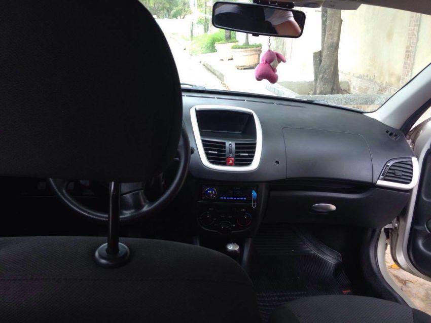 Peugeot 207 XR 1.4 (10 ANOS BRASIL)(Flex) 2p - Foto #3