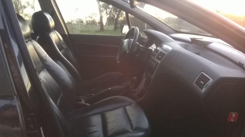 Peugeot 307 Hatch. Feline 2.0 16V - Foto #10