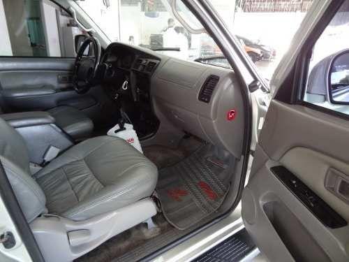 Toyota Hilux SW4 3.0 TDI 4x4 SR 5L - Foto #6