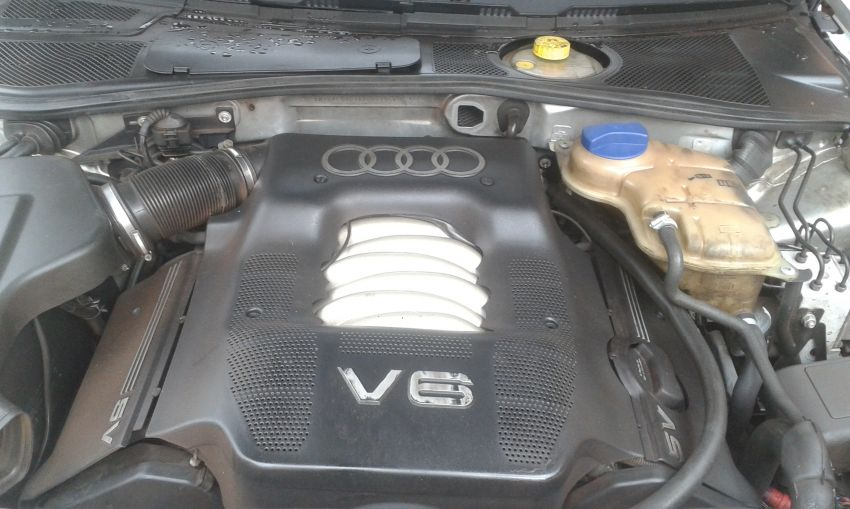 Audi A4 2.4 V6 30V (multitronic) - Foto #7