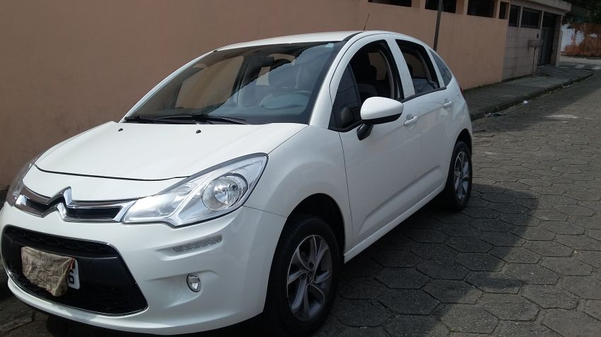 Citroën C3 Attraction 1.5 8V (Flex) - Foto #4