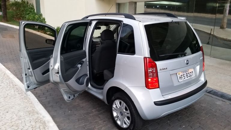 Fiat Idea HLX 1.8 (Flex) - Foto #7