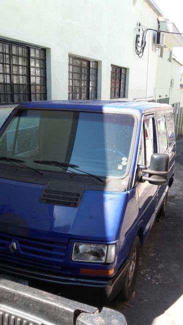 Renault Trafic Furgao 2.0 (ch. curto) - Foto #1