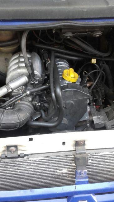Renault Trafic Furgao 2.0 (ch. curto) - Foto #6