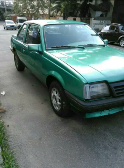 Chevrolet Monza Sedan GL 1.8 EFi - Foto #1