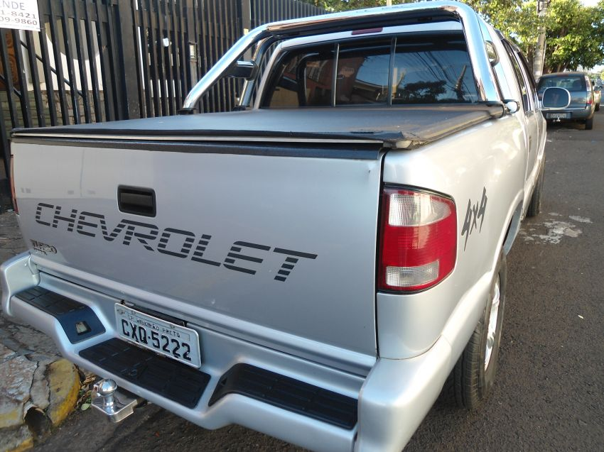 Chevrolet S10 4x4 2.5 (Cab Dupla) - Foto #2