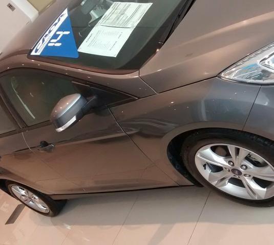 Ford Focus Hatch SE 1.6 16V TiVCT PowerShift (Aut) - Foto #4