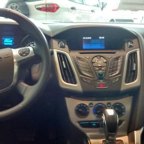 Ford Focus Hatch SE 1.6 16V TiVCT PowerShift (Aut) - Foto #5