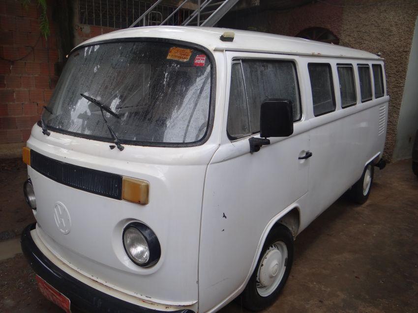 Volkswagen Kombi 1.6 - Foto #1