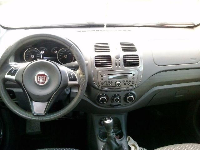 Fiat Grand Siena Essence 1.6 (Flex) - Foto #3