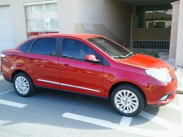Fiat Grand Siena Essence 1.6 (Flex) - Foto #4