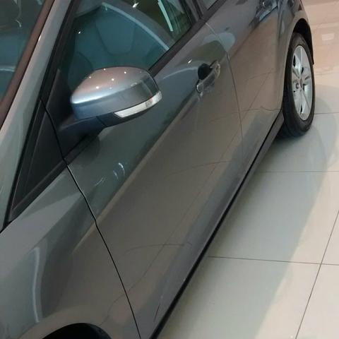 Ford Focus Hatch SE 1.6 16V TiVCT PowerShift (Aut) - Foto #2