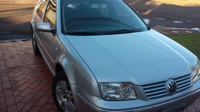 Volkswagen Bora 2.0 MI Comfortline (Aut) - Foto #1