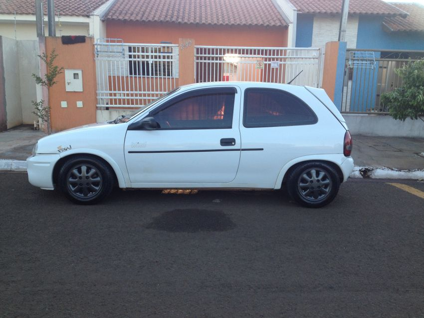 Chevrolet Corsa Hatch Wind 1.0 EFi - Foto #3