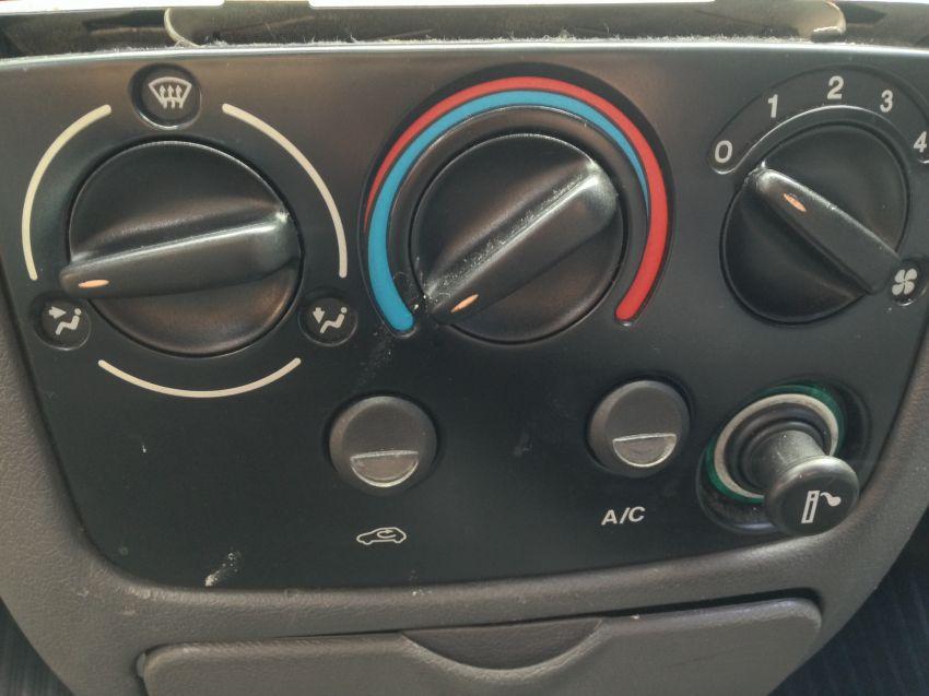 Ford Fiesta Hatch GL Class 1.0 MPi - Foto #3