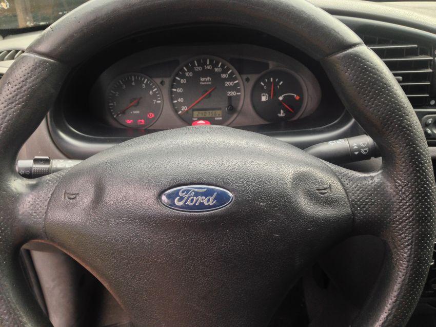 Ford Fiesta Hatch GL Class 1.0 MPi - Foto #7