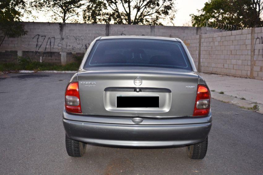 Chevrolet Corsa Sedan Classic Spirit 1.0 VHC - Foto #1
