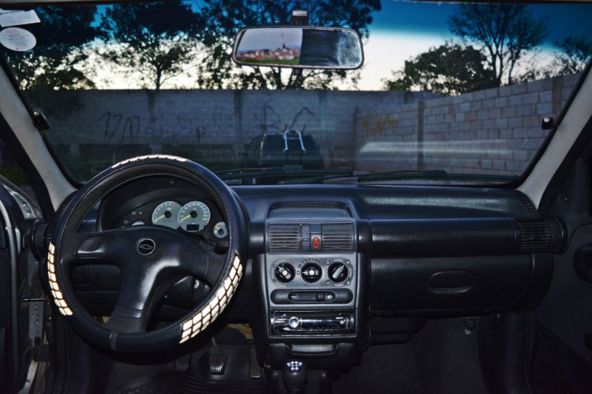 Chevrolet Corsa Sedan Classic Spirit 1.0 VHC - Foto #6