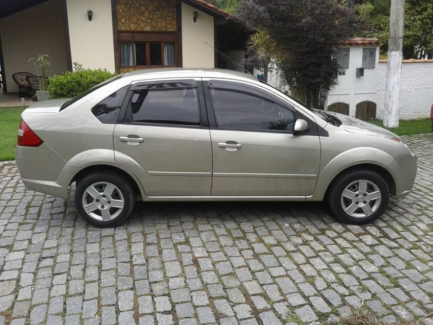 Ford Fiesta Sedan 1.0 (Flex) - Foto #6