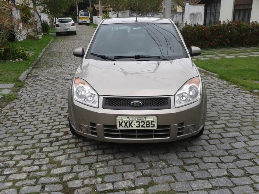 Ford Fiesta Sedan 1.0 (Flex) - Foto #8