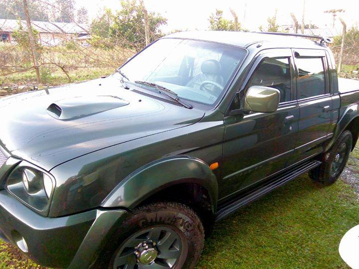 Mitsubishi L 200 Sport 4x4 2.5 Turbo (cab. dupla) - Foto #3