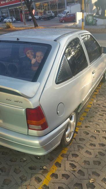 Chevrolet Kadett Hatch GLS 2.0 MPFi - Foto #2