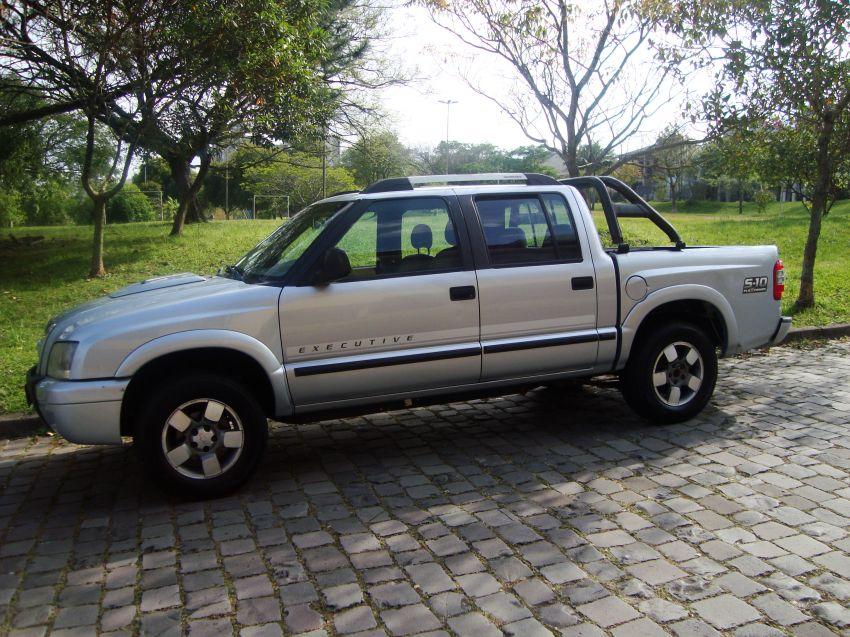 Chevrolet S10 Executive 4x2 2.4 (Flex) (Cab Dupla) - Foto #1