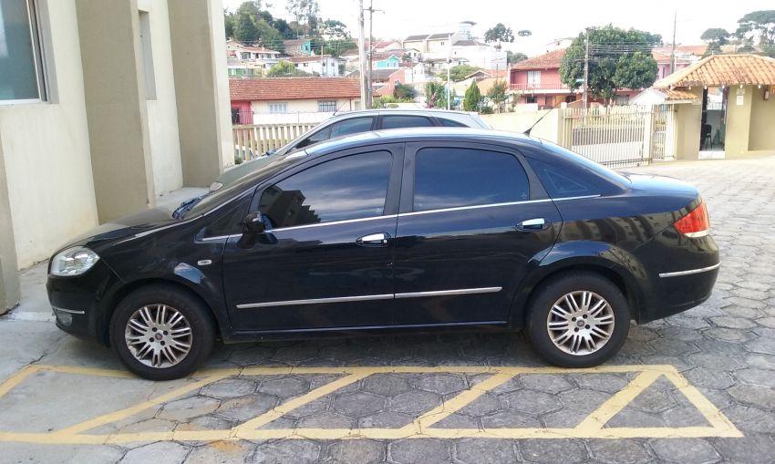 Fiat Linea HLX Dualogic 1.9 16V (Flex) (Aut) - Foto #4