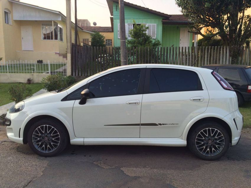 Fiat Punto BlackMotion 1.8 16V (Flex) - Foto #5