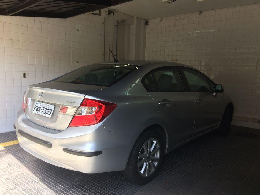 Honda Civic LXS 1.8 i-VTEC (Flex) (Aut) - Foto #4