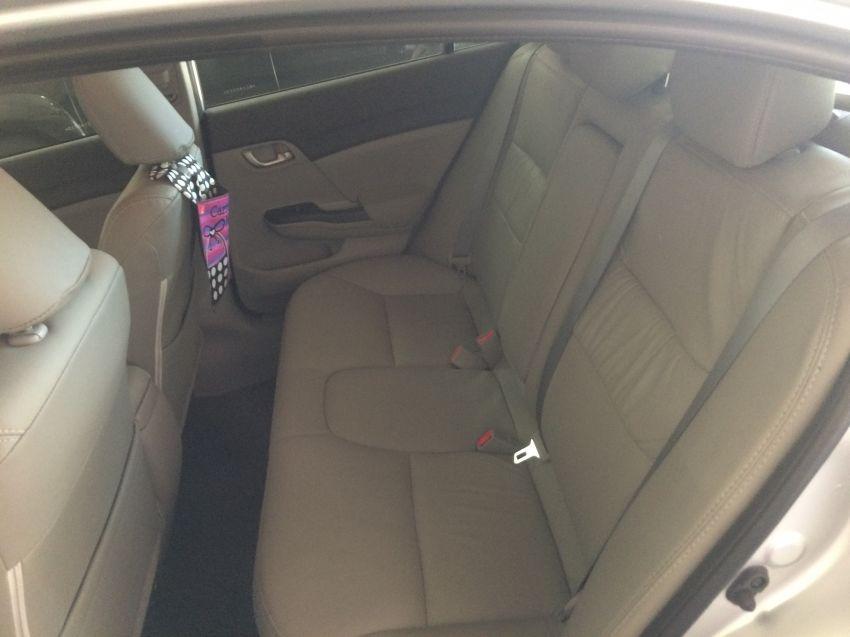 Honda Civic LXS 1.8 i-VTEC (Flex) (Aut) - Foto #9