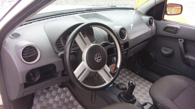 Volkswagen Gol Plus 1.0 (G4) (Flex) 2p - Foto #8