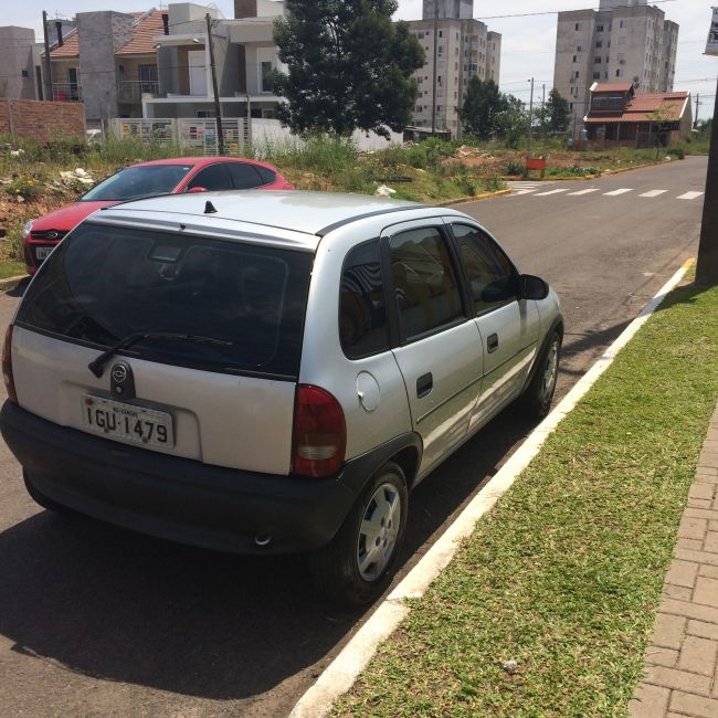 Chevrolet Corsa Hatch Super 1.0 MPFi 4p - Foto #2