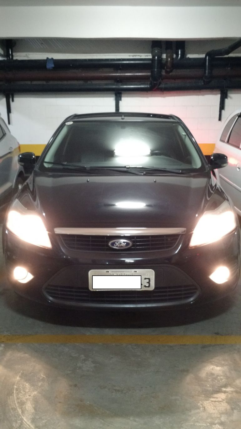 Ford Focus Sedan 2.0 16V (Aut) - Foto #1