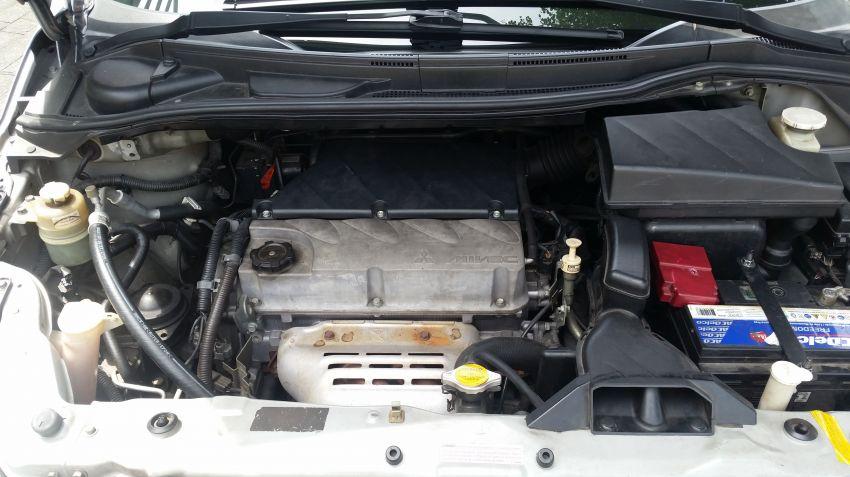Mitsubishi Grandis 2.4 16V - Foto #3