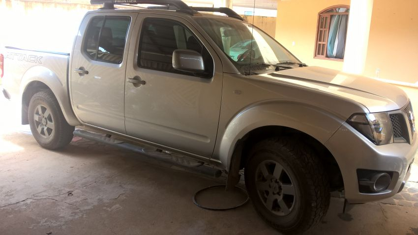 Nissan Frontier 2.5 TD CD 4x4 SV Attack (Aut) - Foto #2