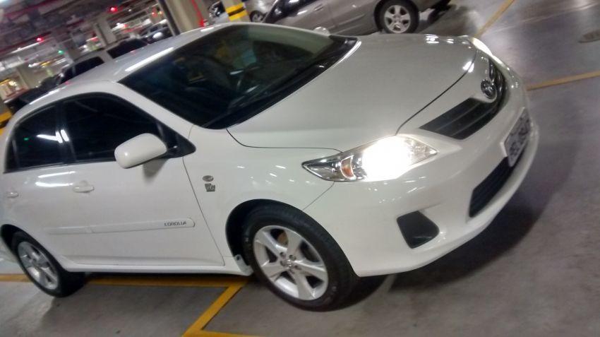 Toyota Corolla Sedan GLi 1.8 16V (flex) - Foto #1