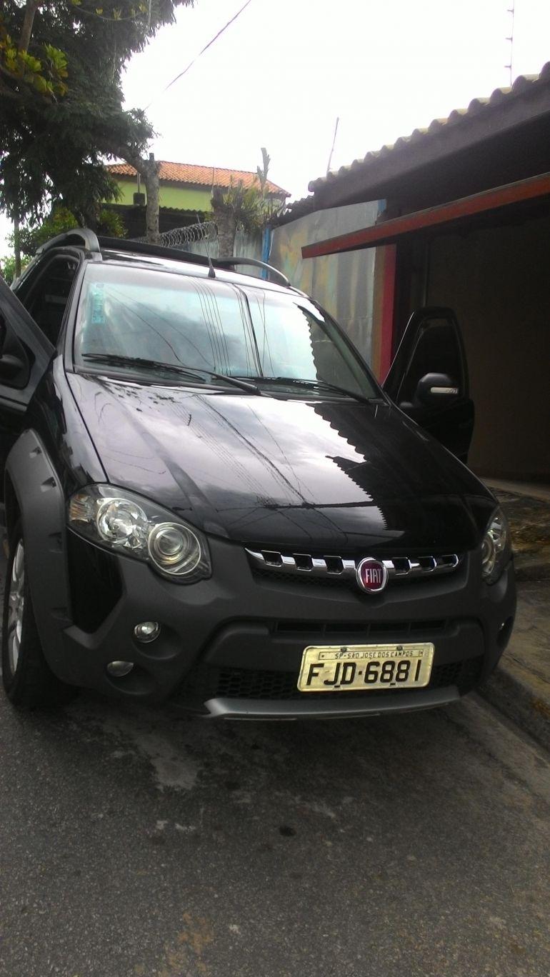 Fiat Strada Adventure 1.8 16V (Flex) (Cab Dupla) - Foto #1