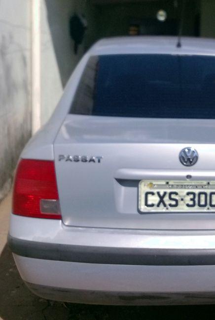 Volkswagen Passat 1.8 20V - Foto #2