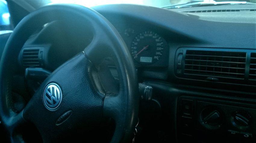 Volkswagen Passat 1.8 20V - Foto #4
