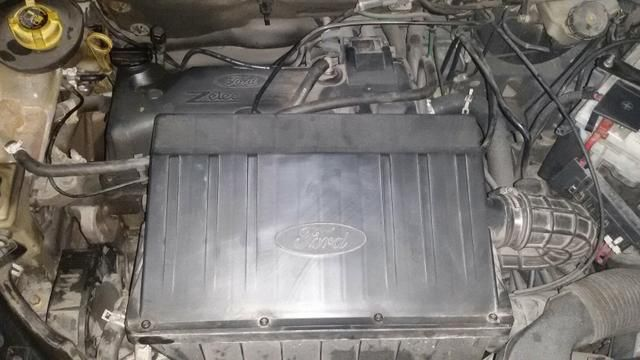 Ford Focus Hatch GL 1.6 8V (Flex) - Foto #8