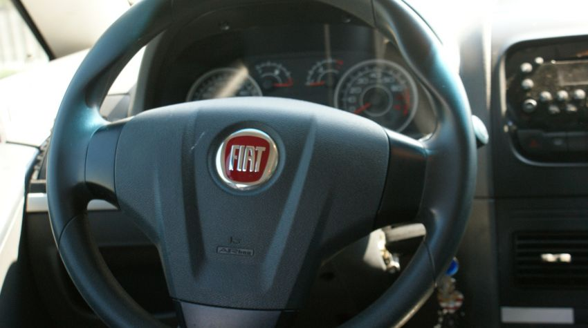 Fiat Idea Essence Italia Dualogic 1.6 16V (Flex) - Foto #2