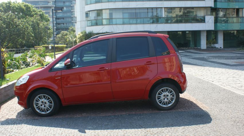 Fiat Idea Essence Italia Dualogic 1.6 16V (Flex) - Foto #4