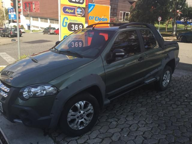 Fiat Strada Adventure Locker 1.8 8V (Flex) (Cab Dupla) - Foto #9