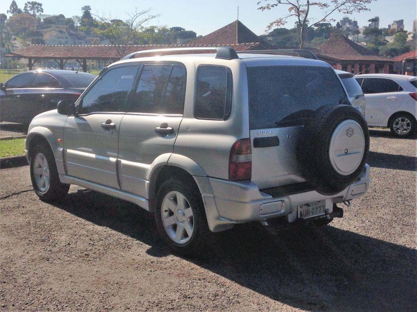 Suzuki Grand Vitara 2.0 16V 4WD - Foto #2