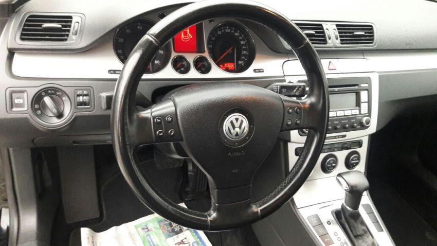 Volkswagen Passat Variant 2.0 (Aut) - Foto #1