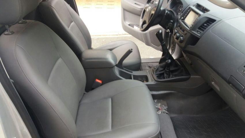 Toyota Hilux 3.0 TDI 4x4 CS STD - Foto #1