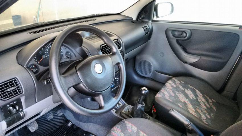 Chevrolet Corsa Sedan Joy 1.0 - Foto #5